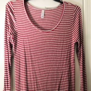 LuLaRoe L Lynnae Tunic Top Ribbed Red Stripe